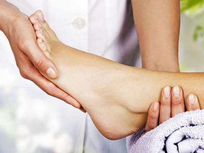 Calçados confortáveis podem ajudar a evitar lesões graves