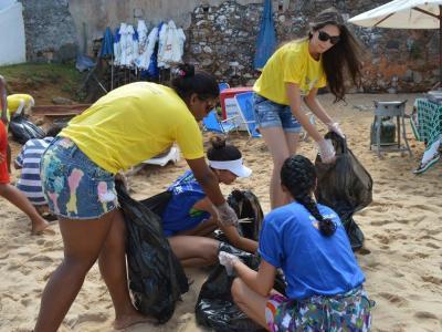 Alunos da UNINASSAU participam da ação