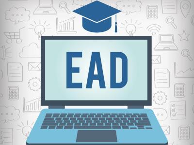 Ilustração mostra um notebook com símbolos de EAD