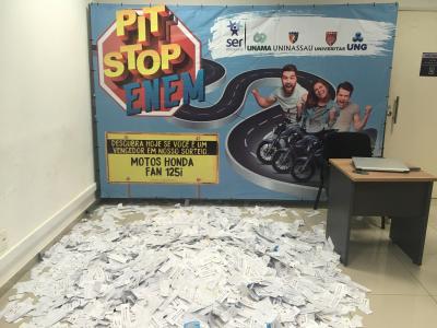 Ser Educacional realiza sorteio da ação Pit Stop ENEM