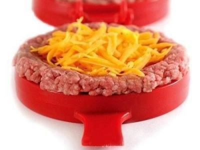 A imagem mostra um hambúrguer artesanal