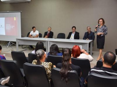 Imagem mostra encontro realizado