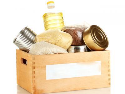Imagem mostra alimentos em uma caixa