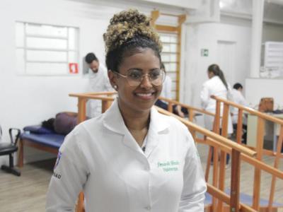 Imagem mostra estudante no Instituto