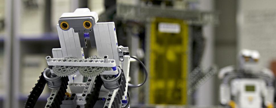 Foto de um pequeno robô