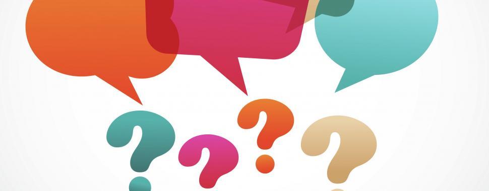 Desenho de balões de conversa e interrogações