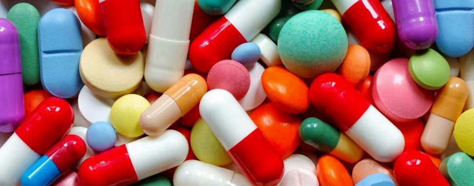 imagem mostra remédios