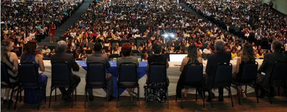 Centro de Convenções fica lotado para abertura do 3º Congresso de Saúde