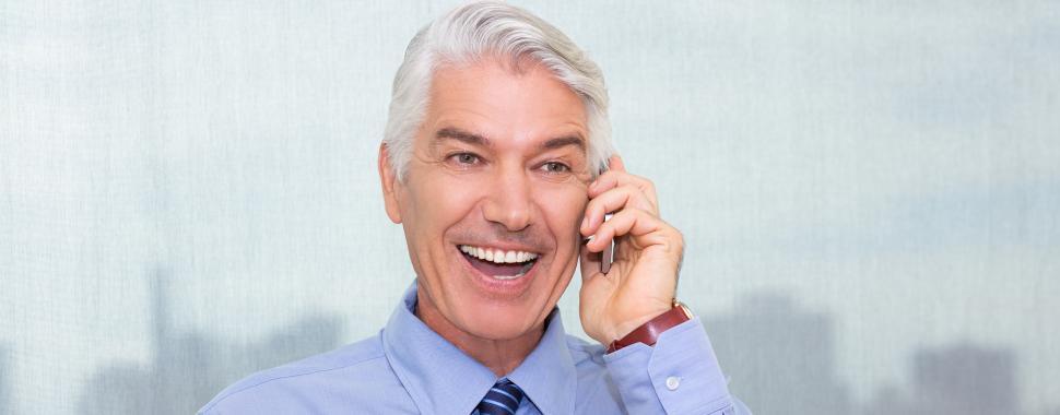 Os idosos estão cada vez mais dominando o mundo virtual/Freepik