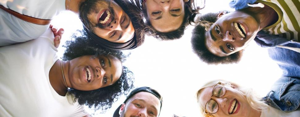 Tatiana Bahia explica como são construídas as relações de amizade. Foto: Freepik