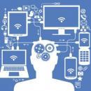 Imagem mostra desenho de pessoa na frente de um computador e de vários celulares