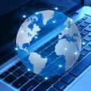 Imagem mostra imagem do globo em cima do computador