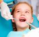 Criança em atendimento odontológico
