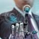 Imagem mostra homem com mão robótica tocando em tela